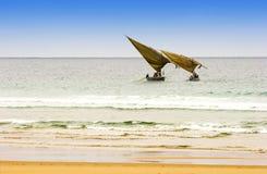 钓鱼二的阿拉伯单桅三角帆船 图库摄影
