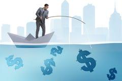 钓鱼从纸小船船的商人美元金钱 免版税库存照片