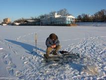钓鱼冬天 库存图片