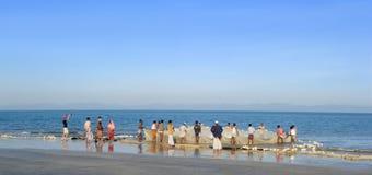 钓鱼在圣徒Martins海岛 免版税图库摄影