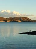 钓鱼在宜人的湖 库存照片