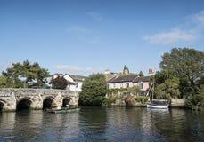 钓鱼在河Avon,克赖斯特切奇 库存图片