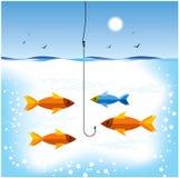 钓鱼在海运 皇族释放例证
