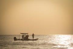 钓鱼在清早 库存图片