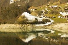 钓鱼在湖 图库摄影