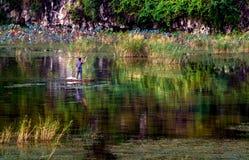 钓鱼在盐水湖 免版税库存图片