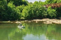 钓鱼在罗阿诺克河 库存照片
