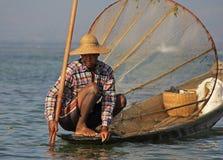 钓鱼在Inle湖 图库摄影