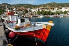 钓鱼希腊的小船 免版税库存图片