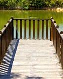 钓鱼木美丽如画的舷梯 免版税库存照片