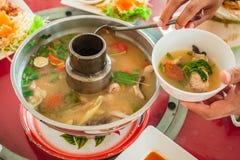 钓鱼汤,汤姆鱼,泰国食物 免版税库存图片