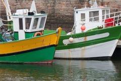 钓鱼法国港口paimpol的小船 免版税库存图片