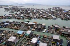 钓鱼浮动的村庄 图库摄影
