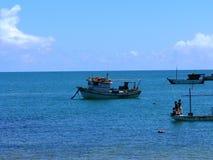 钓鱼海洋的小船 库存照片