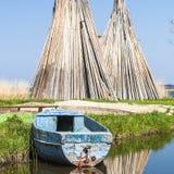 钓鱼海港在Izbica村庄  库存照片