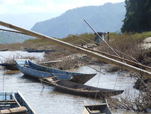 钓鱼湄公河的小船 库存照片