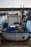 钓鱼的木小船 库存图片