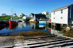 钓鱼美丽如画的村庄 图库摄影