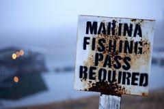 钓鱼通行证标志 库存照片