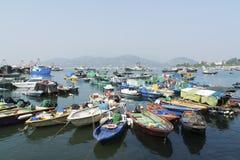 钓鱼香港的小船 库存照片