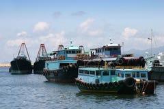 钓鱼香港的小船 库存图片