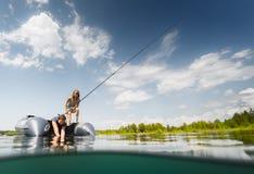钓鱼从小船 库存照片