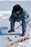 钓鱼52的冬天 免版税库存图片