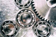 钛和钢钝齿轮和齿轮 库存照片