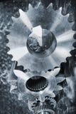 钝齿轮和齿轮、钛和钢 免版税库存照片