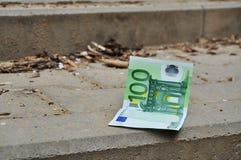 钞票eur丢失钱 库存图片