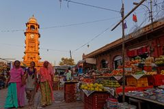 钟楼和市场在乔德普尔城 免版税库存照片