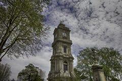 钟楼Dolmabahce 免版税图库摄影