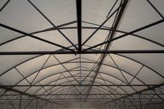 钢和塑料胶膜温室结构  免版税库存图片