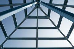 钢屋顶结构  免版税库存照片