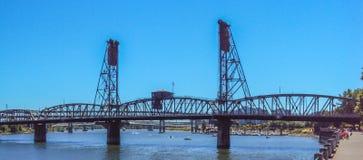 钢桥梁在波特兰,俄勒冈 库存照片