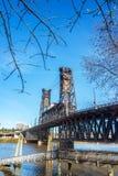 钢桥梁垂直 库存照片