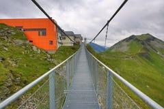 钢桥梁,从Stubnerkogel,坏Gastein,缆索铁路,奥地利的方式 库存图片
