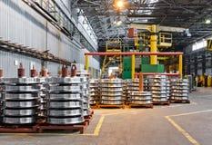 钢火车轮子的生产 免版税库存照片