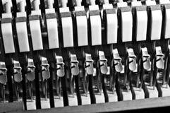 钢琴串制音器 免版税库存图片