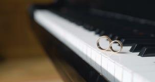 钢琴敲响婚礼 股票视频