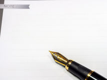 钢笔射击了与浅景深在白皮书的 库存照片