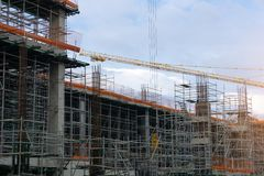 钢结构在工地工作建设中 库存图片