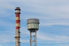 钢铁厂总合烟囱  免版税库存照片