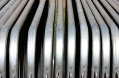 钢障碍和金属建筑材料 免版税库存照片