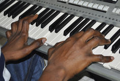 钢琴演奏家手 库存照片