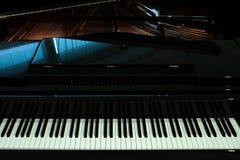 黑钢琴特写镜头 库存照片