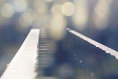 钢琴轻的bokeh 免版税库存图片