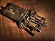 钥匙圈锁上老 免版税库存图片