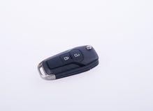 钥匙或汽车钥匙与遥控在背景 图库摄影