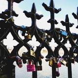 钥匙查尔斯桥梁 免版税库存图片